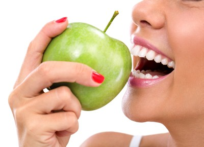 Teeth whitening by Eating crunchy fruit and vegetables