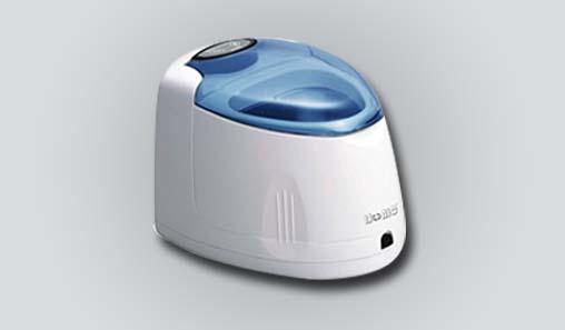Ultrasonic denture cleaners